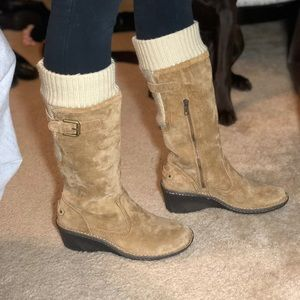Woman's Suede UGG boots